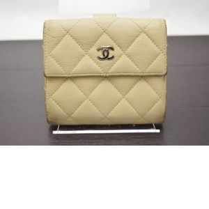 Auth CHANEL Quilted Matelasse Caviar Skin Wallet